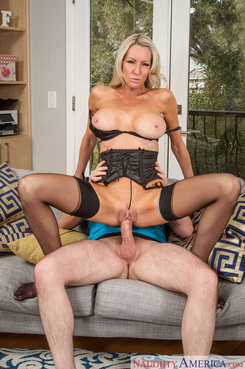 Petite milf emma starr gets fucked by a young stud