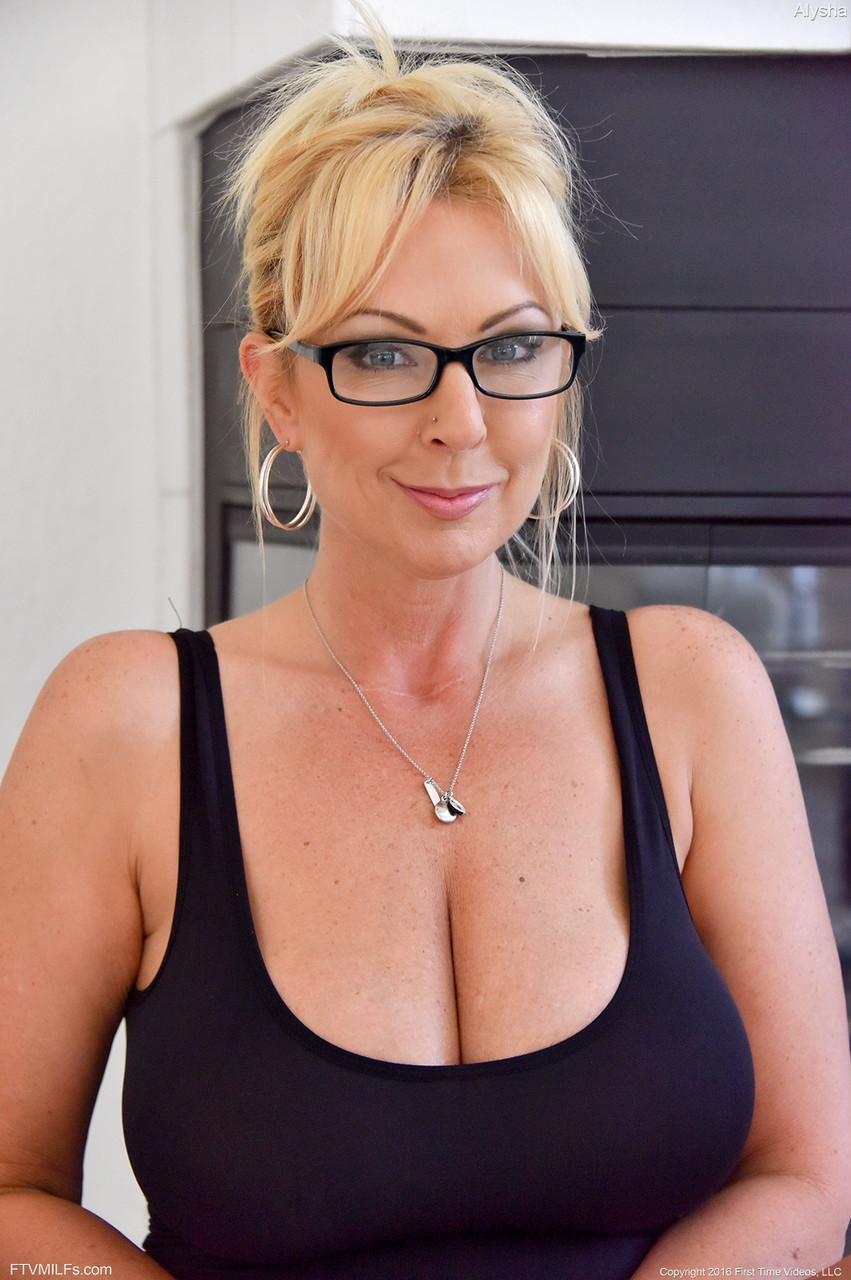 Chat with london guys interested in milf chat, naughty milf chat