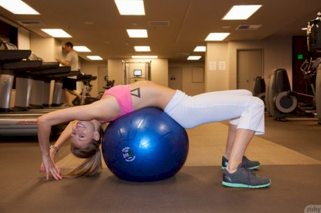 Slim teen Geri Burgess teases in her sexy gym outfit while working out