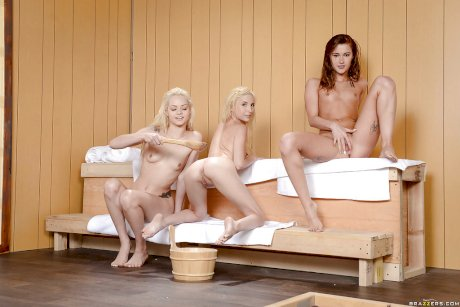 Teen lesbians bare phat asses and tattoos while having all girl threesome