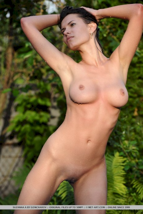 Hot busty glamour model Suzanna A showing hard nipples & wet pussy at the pool
