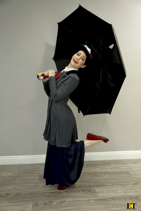Teen Evelyn Claire dressed up as Marry Poppins swallows sperm after fucking