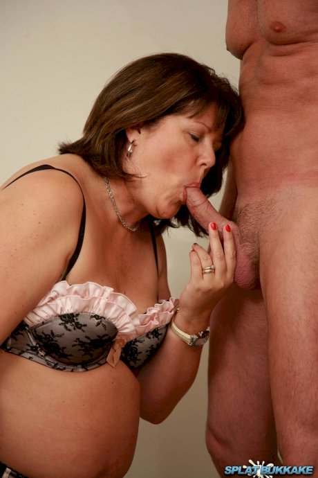 Thick UK woman Sandy gets on her knees for a blowbang in 3 piece lingerie