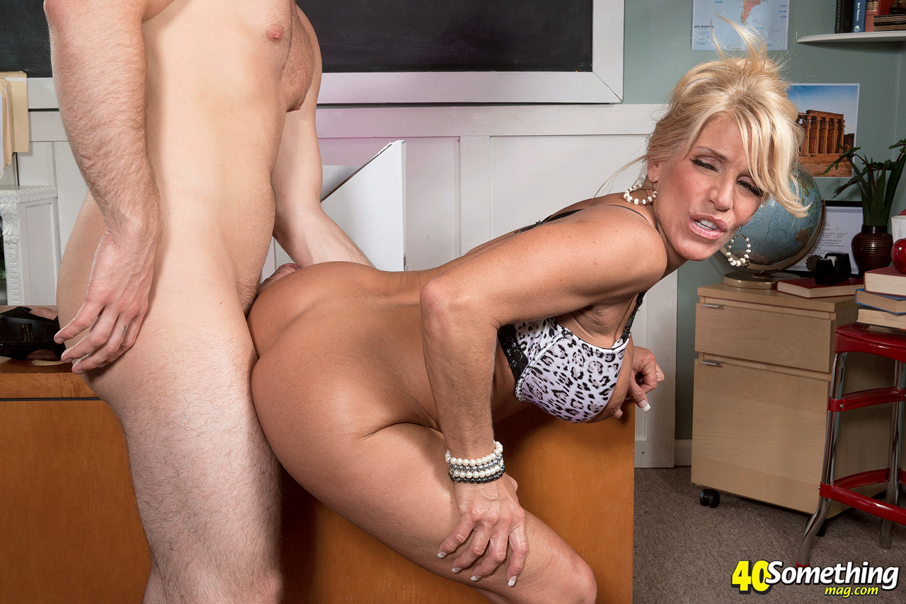 Old Man And Blonde Teen Hot Sex