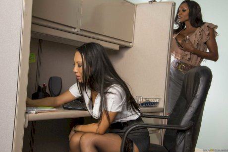 Office girl Asa Akira attempts 3some sex at work with her boss Diamond Jackson
