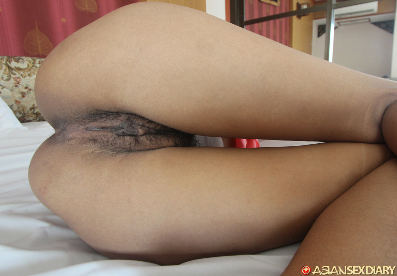Thai Girl Has The Tightest Puffy Pussy