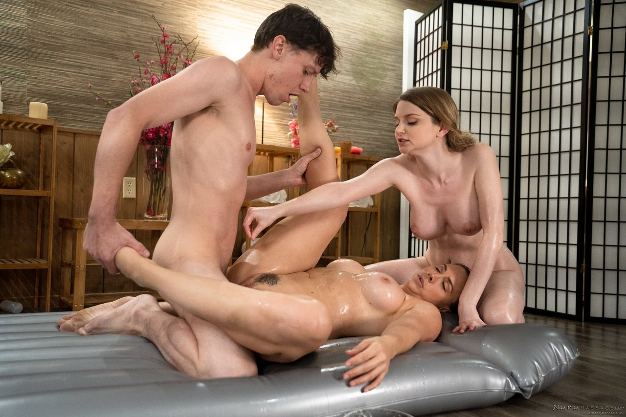 Two wife sex