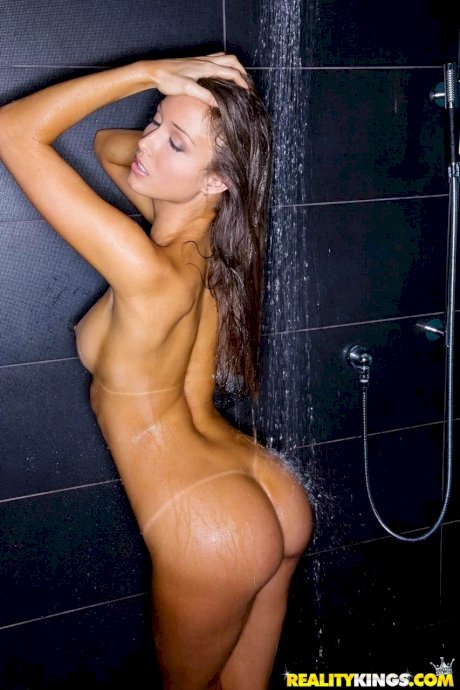 Real life lesbians take their hot lovemaking and pussy eating into shower