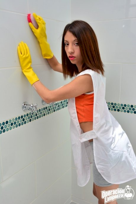 European cleaning babe gives a blowjob to a stranger in the toilet
