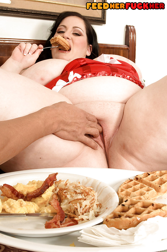 Free Fat Girl Eating Food Porn Pics