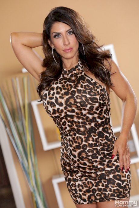 Fit MILF Raven Hart strips off her tight leopard dress and shows her assets